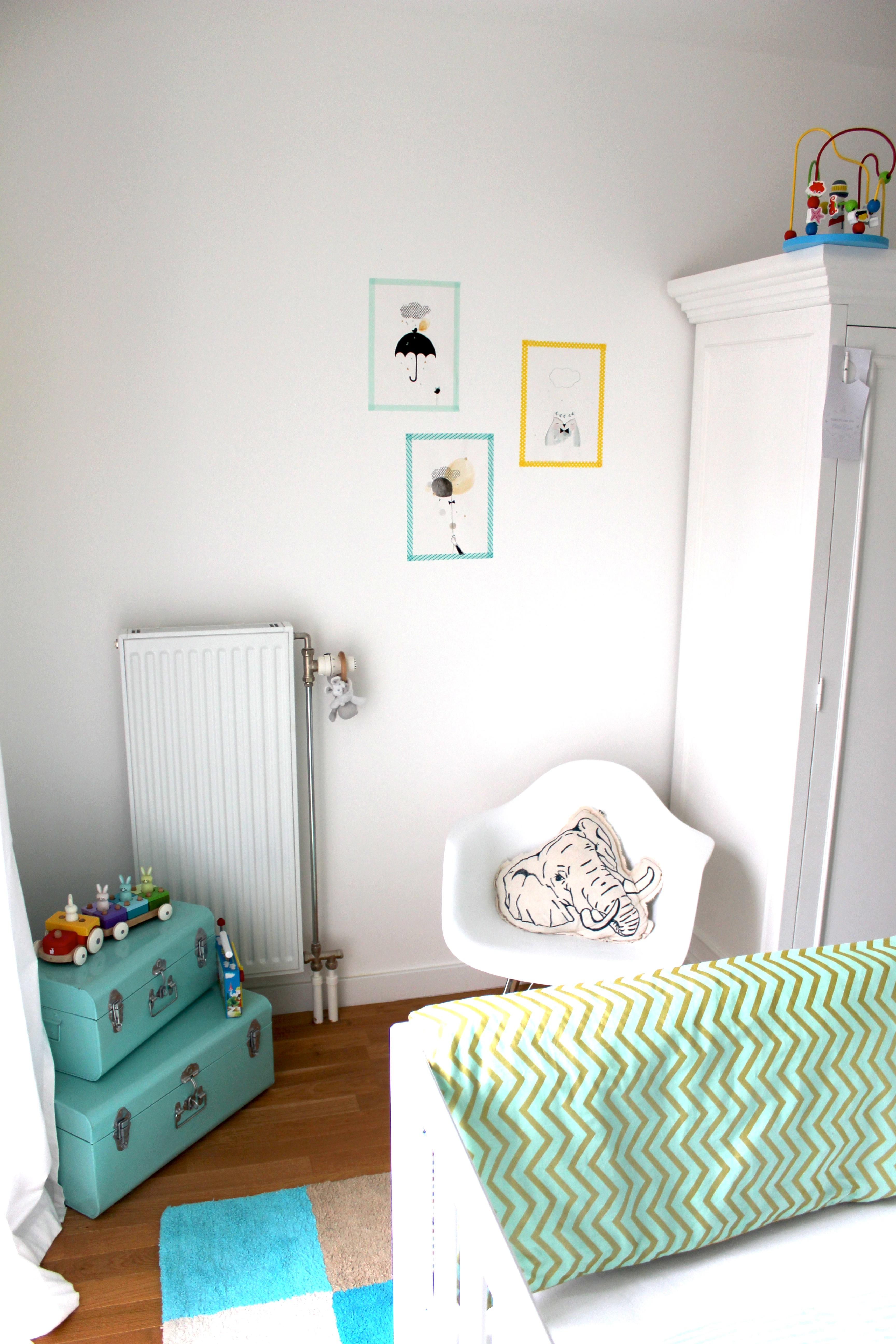 Chambre vert d eau et jaune design de maison for Chambre vert d eau